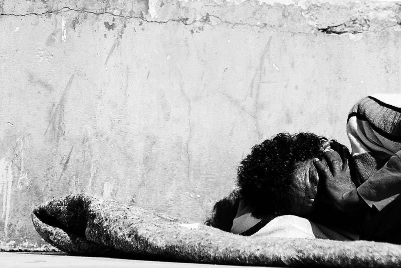Assistência entre a Proteção à Dignidade Humana e a Desresponsabilização Estatal